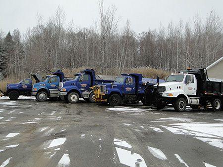 Camions de l'entreprise - Marion Asphalte à St-Paul